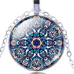 Изобилие и богатство, ръчно изработен медальон с мандала