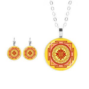 Шри Янтра, ръчно изработенкомплект обеци и медальон с мандала