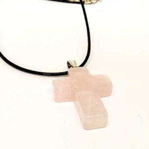 Розов кврац, прецизно изработен медальон, кръст
