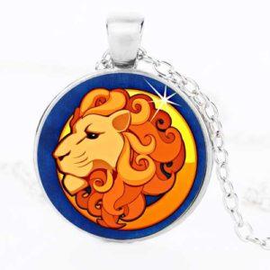Лъв, ръчно изработен медальон